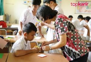 Profesi Guru: Apa Saja Keahlian yang Dibutuhkan Posisi Ini? | TopKarir.com