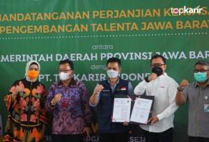Kolaborasi Jabar-Top Karir Indonesia untuk Tingkatkan Kapasitas dan Keterampilan Tenaga Kerja Muda | TopKarir.com
